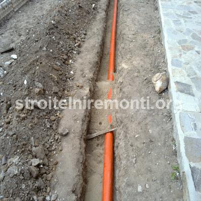 ВИК услуги - прокарване на тръби в предварително подготвен  и изкопан канал